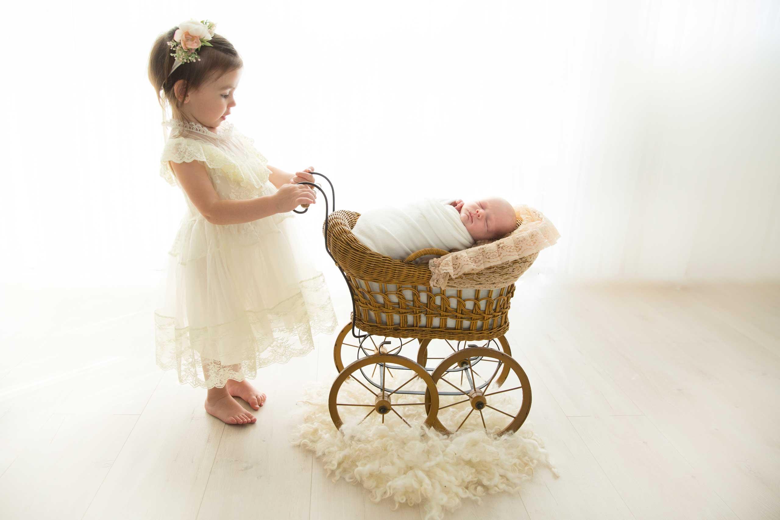 Newborn Baby Photographer Los Angeles Ramina Magid