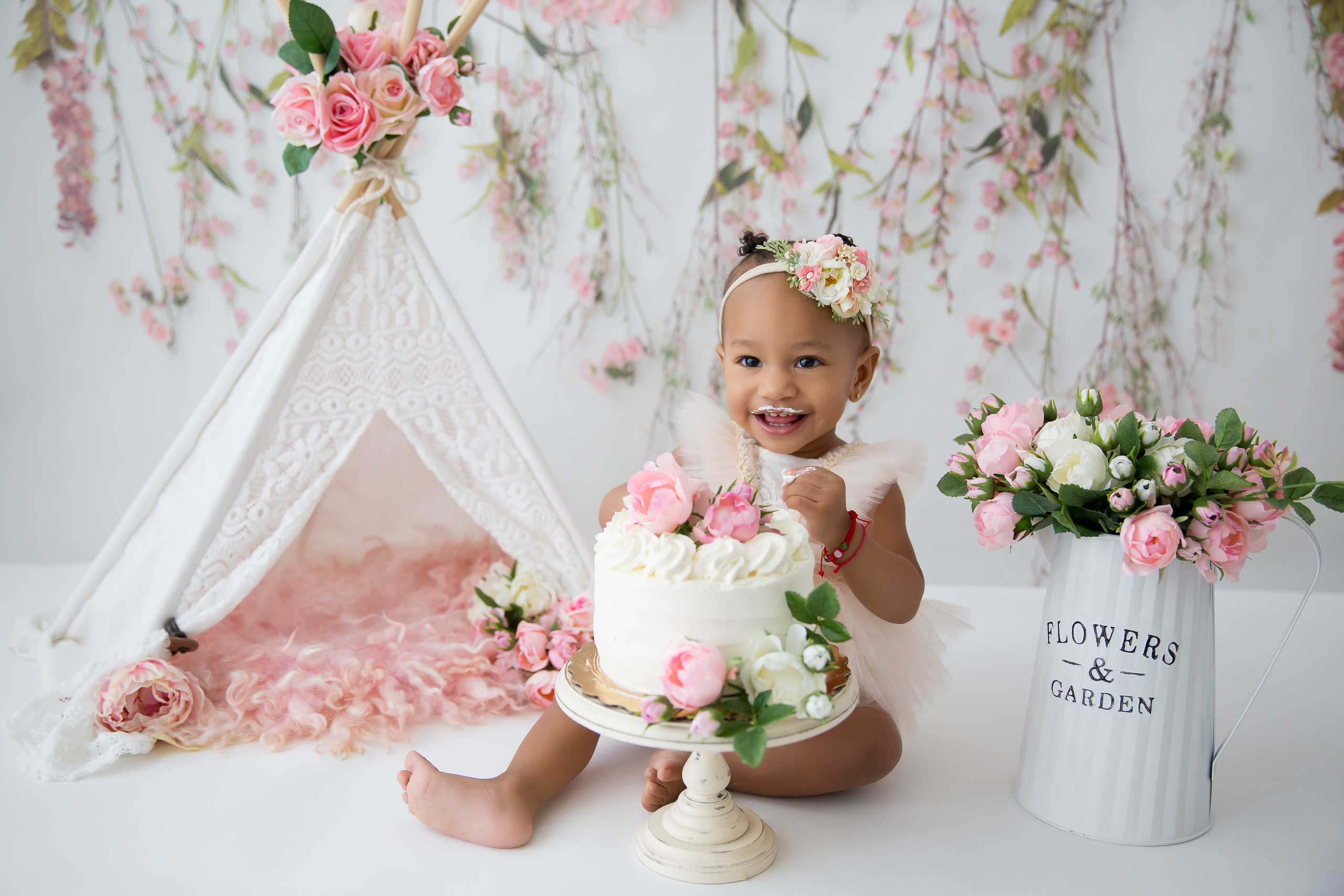 cake smash photo session taken by Ramina Magid Photography in Los Angeles