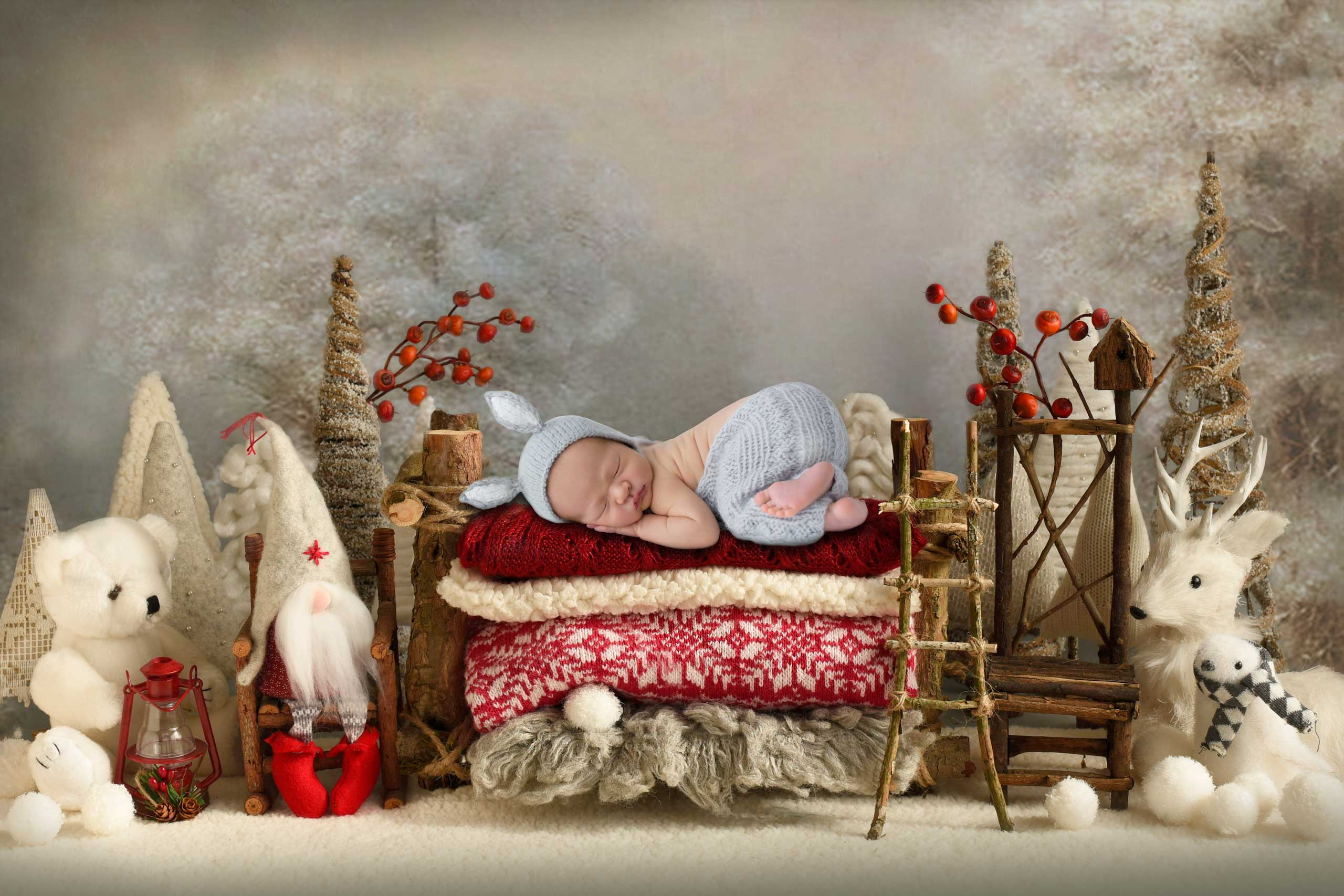 Christmas baby newborn photograph taken in Los Angeles by Ramina Magid Photography