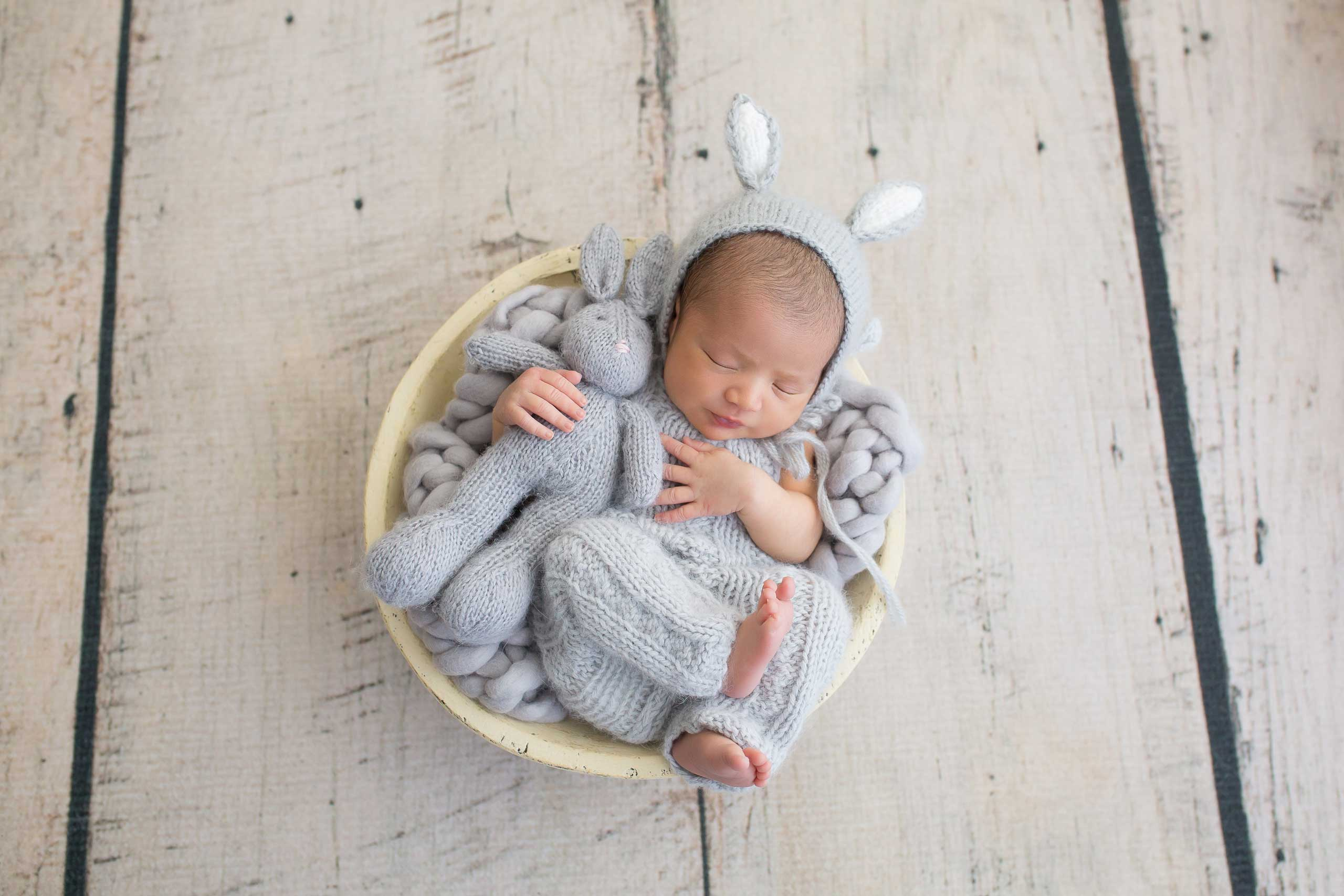 baby newborn and bunny photograph taken in Los Angeles by Ramina Magid Photography