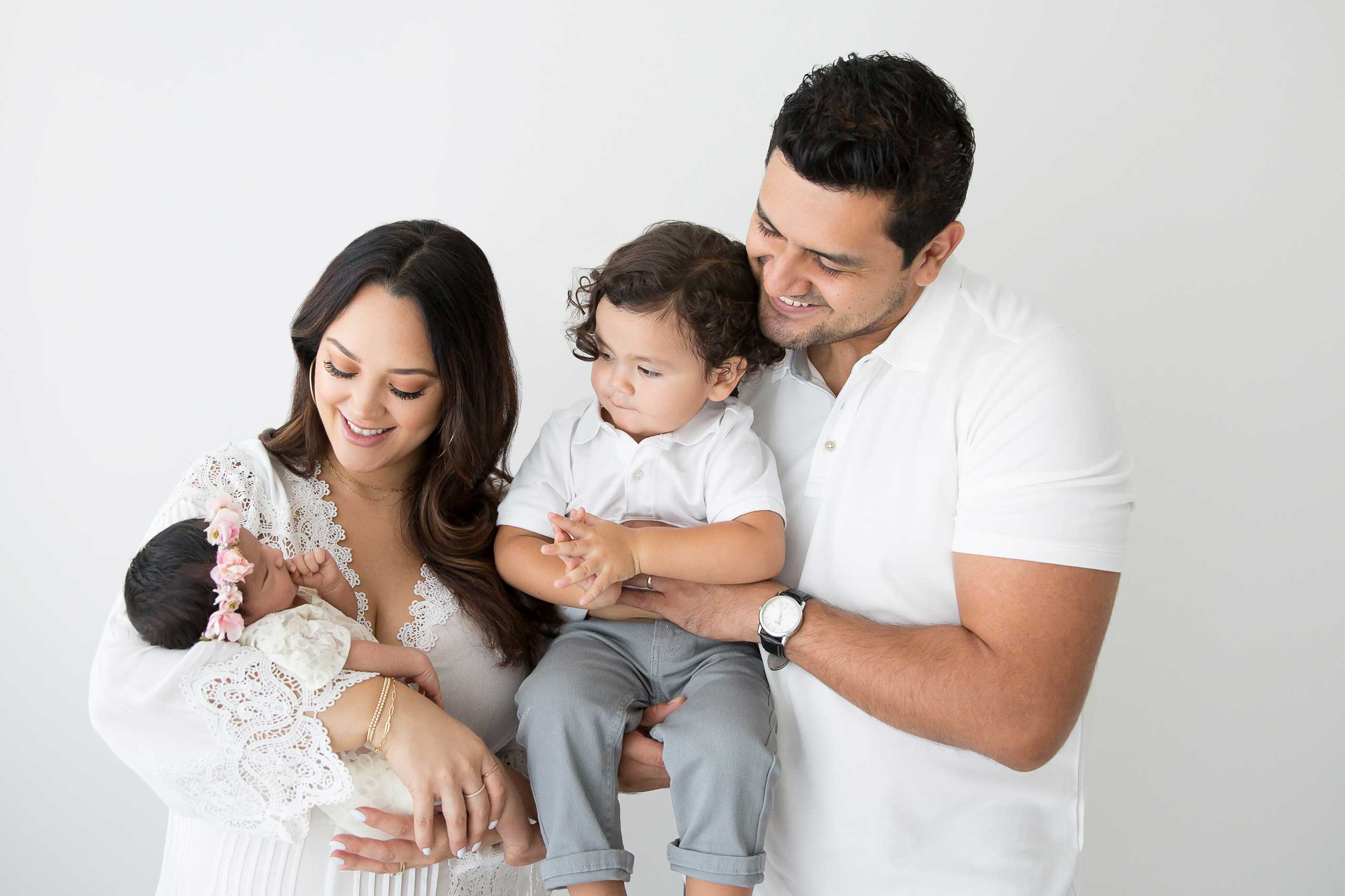 family photograph taken in Los Angeles by Ramina Magid Photography