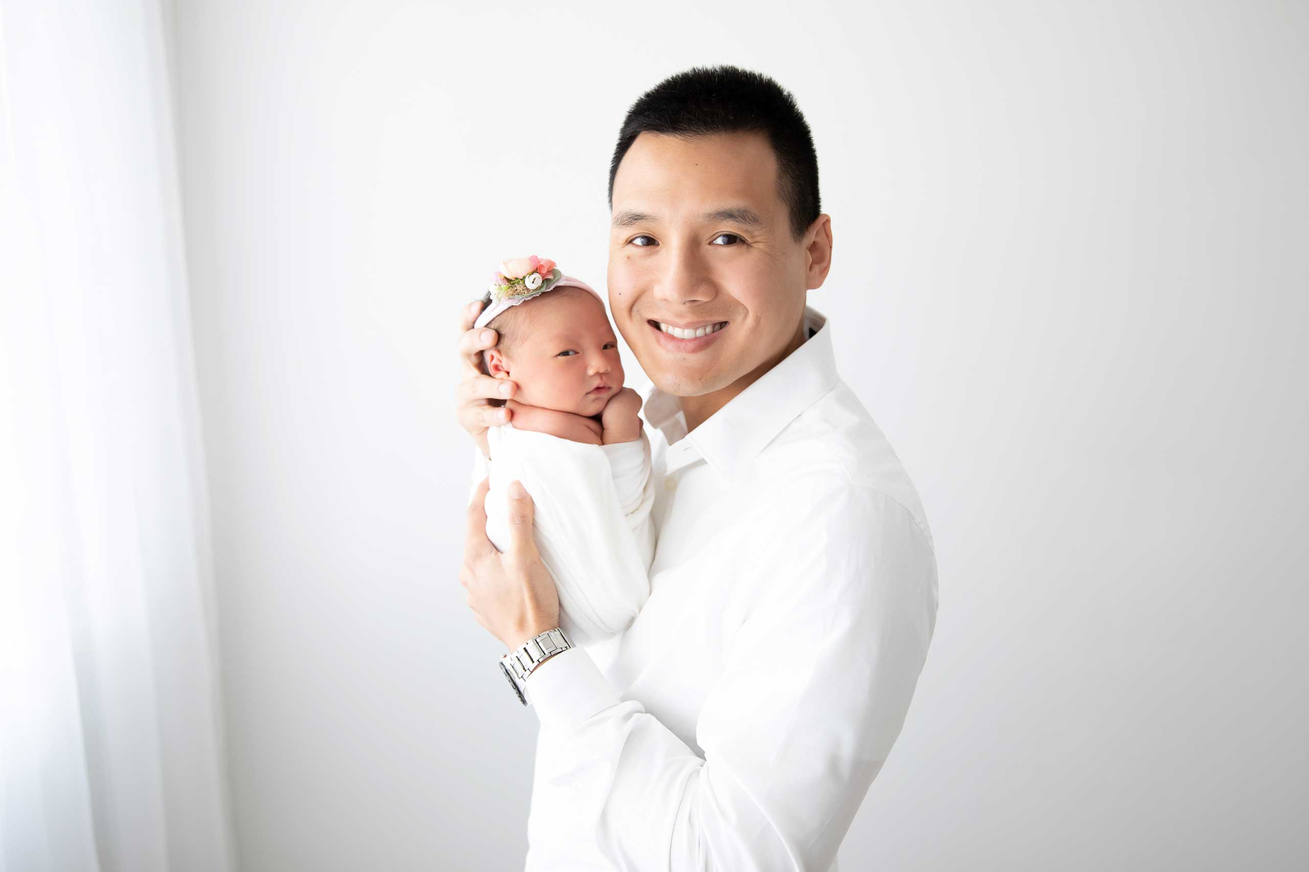 baby and daddy photograph taken in Los Angeles by Ramina Magid Photography