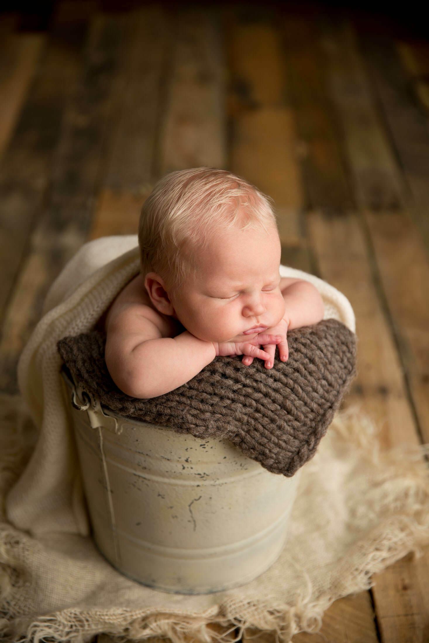 los angeles newborn photography bucket photo