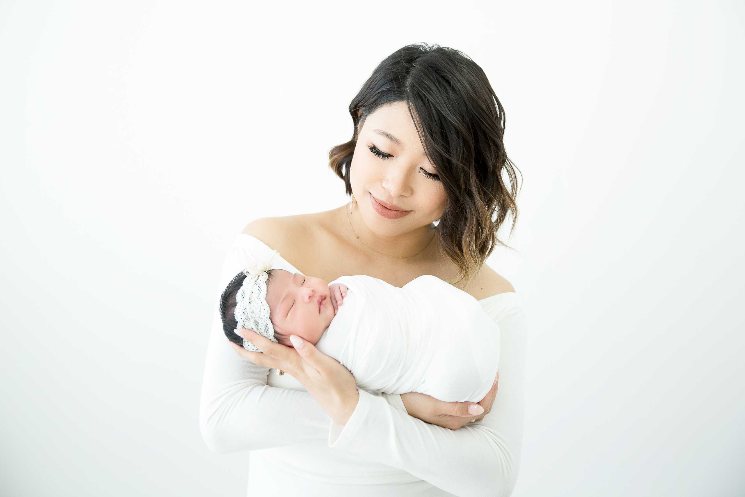 newborn photo session taken by Ramina Magid Photography in Los Angeles 767645