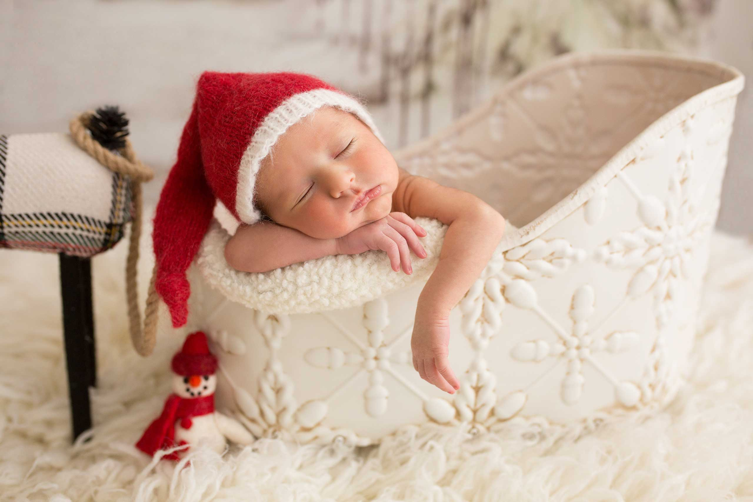 newborn Christmas photo session taken by Ramina Magid Photography in Los Angeles